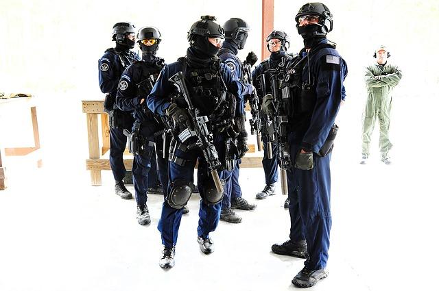 警備員 | 警備員 警備員 警備員 ワードシェアリング - 言葉で人と企業を結ぶ - 何歳でもキ